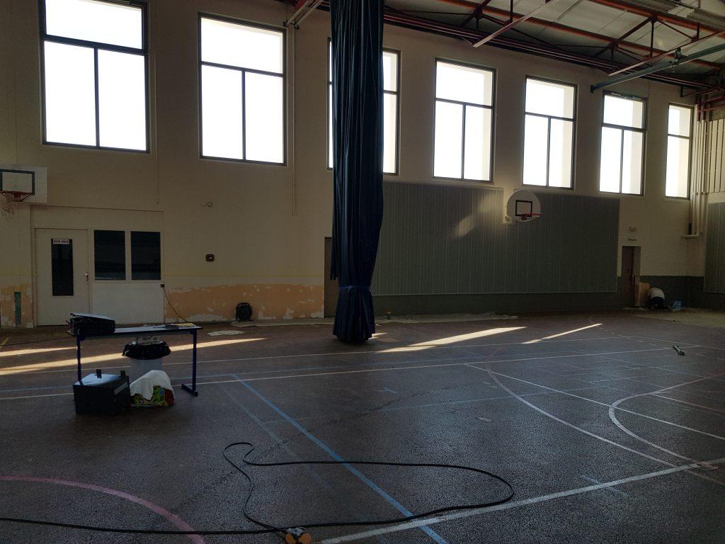 Rénovation peinture d'un gymnase et réalisation d'une fresque : peinture acrylique mate 1