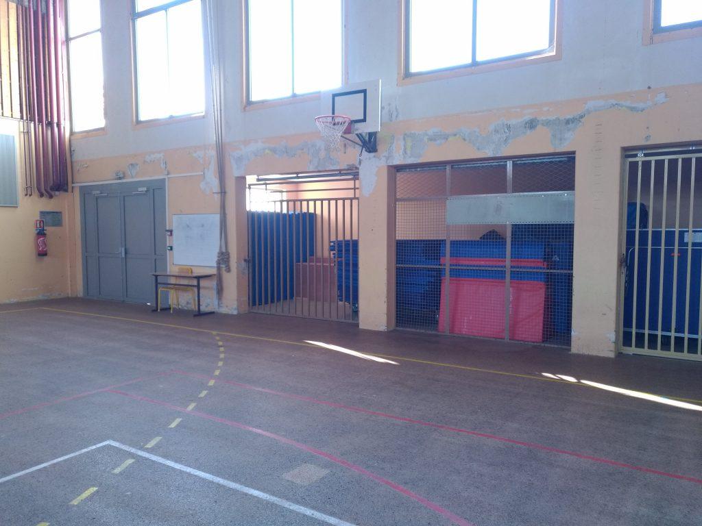 Rénovation peinture d'un gymnase et réalisation d'une fresque : peinture acrylique mate 2
